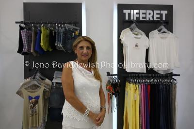 ES 775  Owner, Tiferet women's clothing shop  Melilla (Spain)