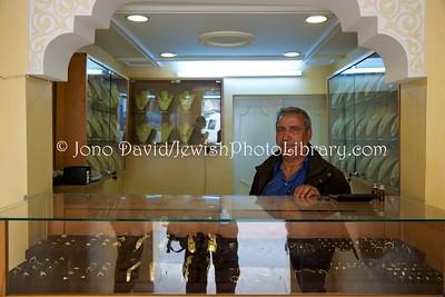 TN 694  Jeweler  Zarzis, Tunisia